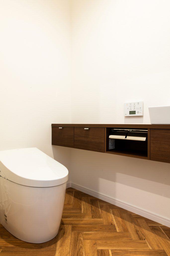 クラフトワン 八女 平屋 ヘリンボーン タンクレストイレ かっこいい 掲示板 磁石 オシャレ 照明 間接照明 新築